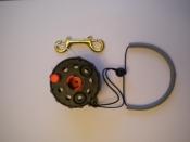 Enclosed Hand Reel w/knob   Black Spool / Black Housing - Product Image