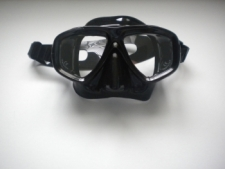 "Piranha Sea Viewer Dive Mask     "" Black Frame / Black Skirt    ""Accepts Lenses"" - Product Image"