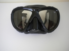 "Piranha Wide View Mask     ""Black Frame/Black Skirt""    ""Accepts Lenses""  - Product Image"