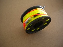 "100ft Anodized Aluminum Finger Spool w/ Neon Yellow/Green Line & line swivel!  ""BLACK Body"" - Product Image"