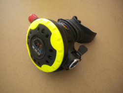 """Piranha Explorer NON-Adjustable Octo """"WMD"""" Extreme Diving 2nd Stage  """"Yellow Ring / Black Inside""""  - Product Image"""