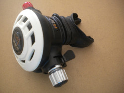"""Piranha Explorer Adjustable """"WMD"""" Extreme Diving 2nd Stage  """"White Face-Plate""""  - Product Image"""